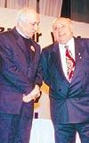 BABA İLE HOCA: Hoşgörü ödülünün bir sahibi de Cumhurbaşkanı Demirel'di. (25 Aralık 1997)