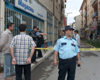 AKP binasına bomba