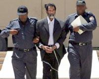 Saddam'ı yüzlerce itham bekliyor