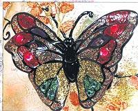 Kelebekleri boyarken 3 4 tanesini çift olarak boyayın