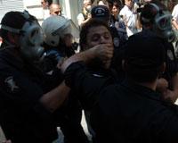 Taksim'de izinsiz protesto gösterisi