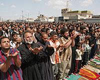 Irak'ta camiye saldırı: 79 ölü