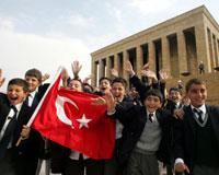 Türkiye 23 Nisan'ı kutluyor
