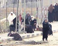 İsrail, canlı kalkan kadınlara ateş açtı