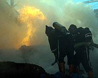 Ahşap bina alev alev yandı: 4 ölü