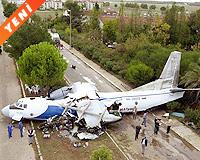 Türk işçileri taşıyan uçak düştü